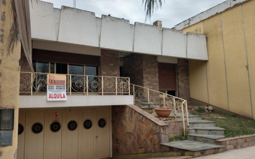 CASA EN ALQUILER – Bº Centro Villa María